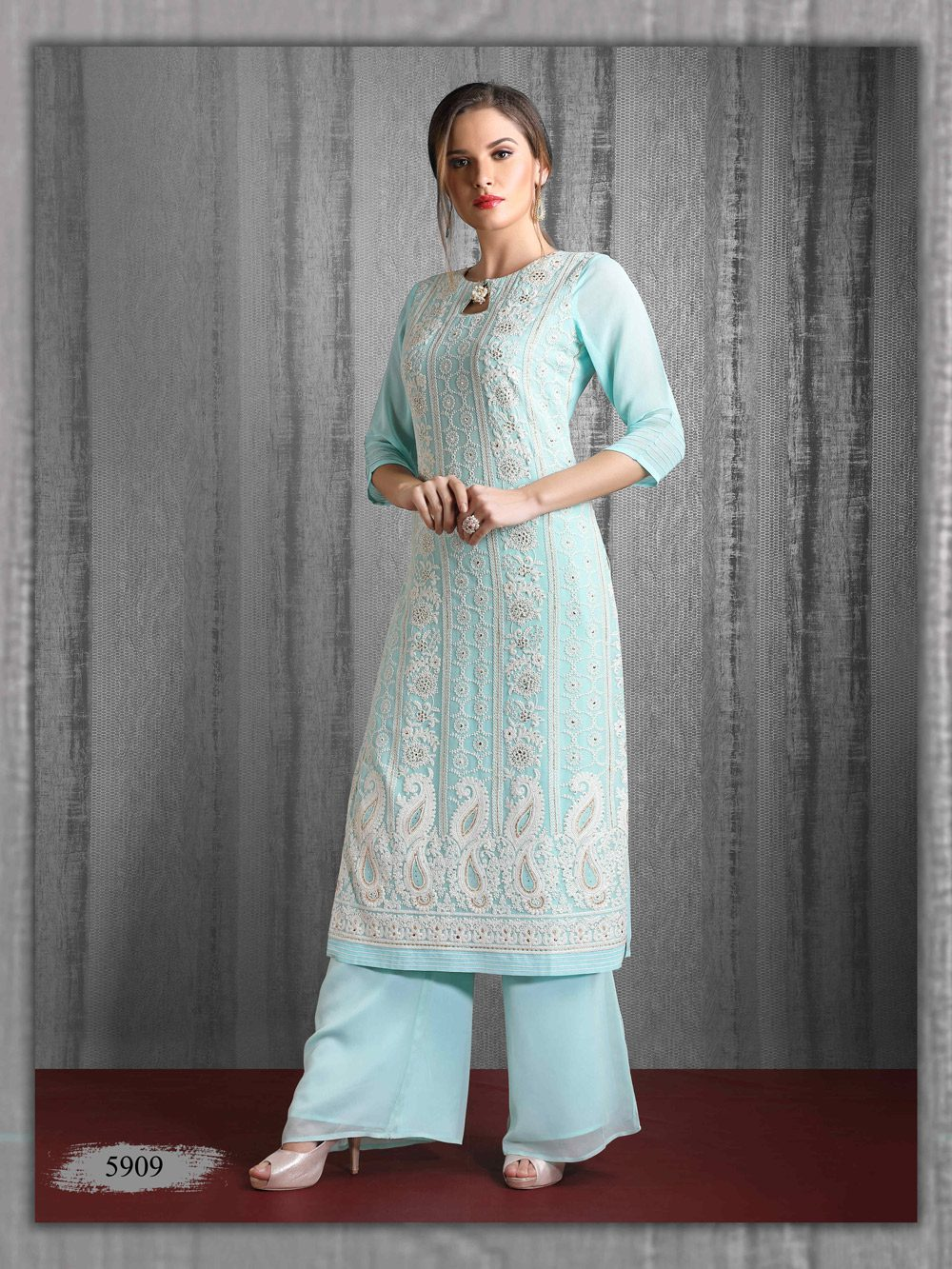 Lakhnavi Kurti perfect for lunch parties