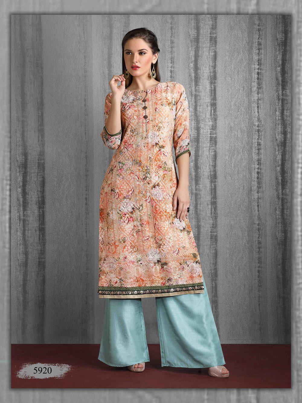 Pastel Lakhnavi outfit in floral print